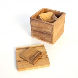 Deux Pyramides dans une Boîte